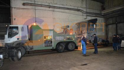 Эвакуатор привез грузовик на ремонт