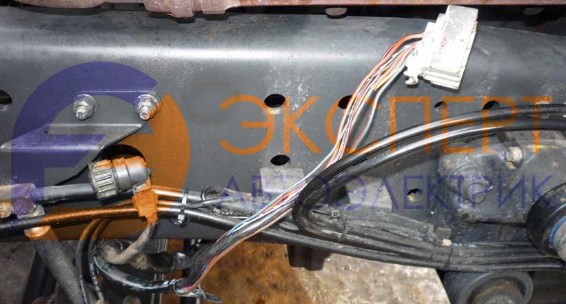 Замыкание электропроводки Мерседес Актрос