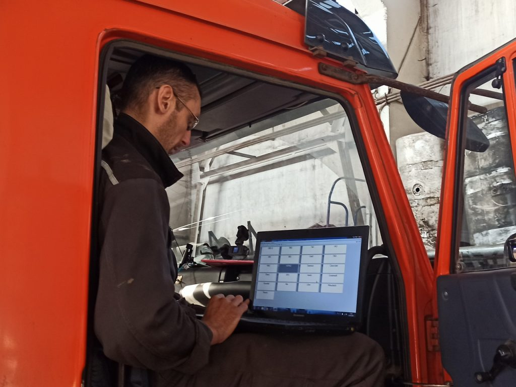 Компьютерная диагностика КамАЗ в сервис Очаково