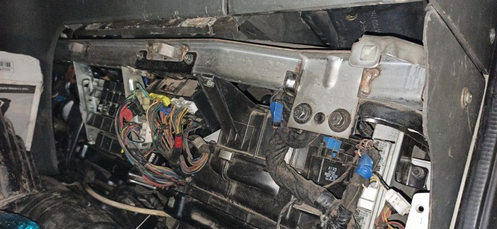 Торпедо с электропроводкой Hyundai HD 78