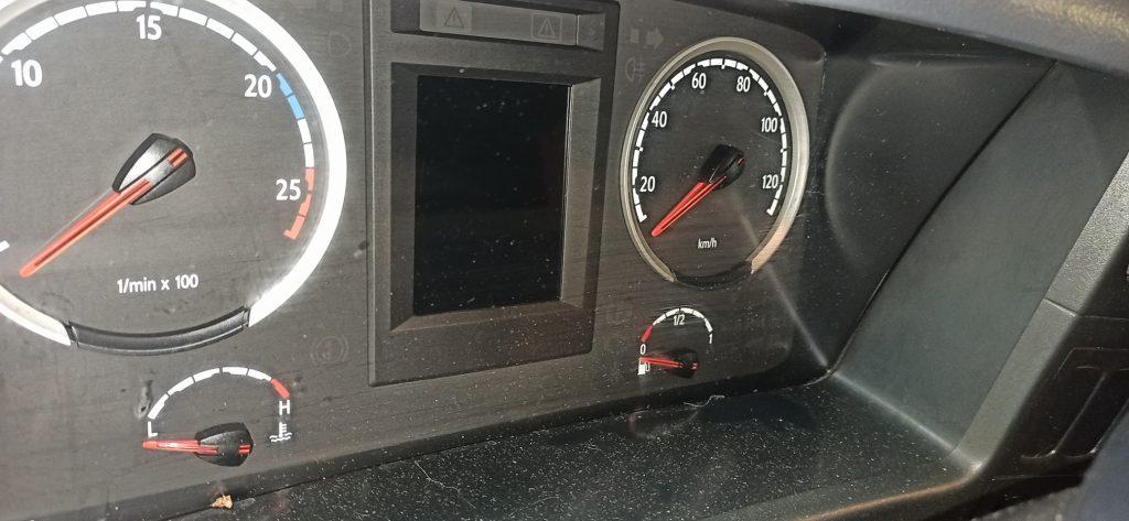 Панель приборов Scania G400
