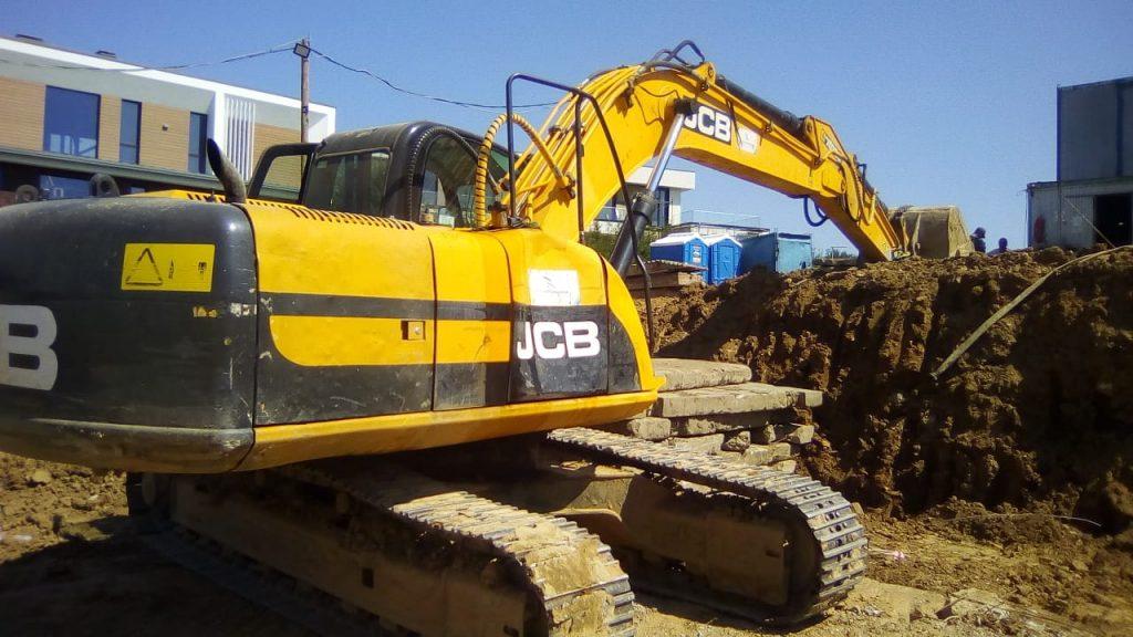 Гусеничный экскаватор JCB JS200NLC